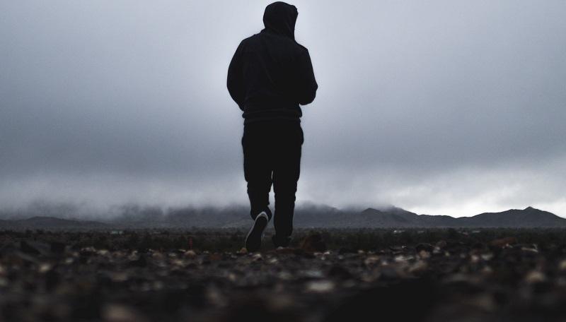 Según la ciencia, caminar media hora adelgaza más que ir