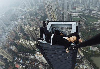 Un acróbata filmó su propia muerte al caer de un rascacielos