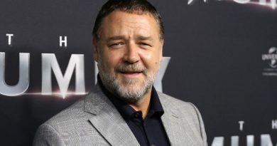 Russell Crowe organiza una subasta para pagar su divorcio
