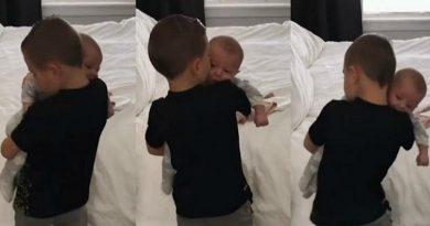 El video de un nene que calma a su pequeña hermana llenó de ternura las redes